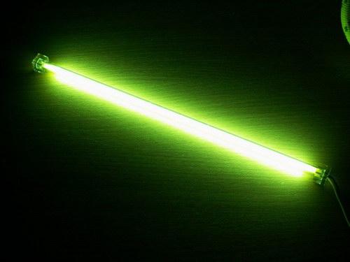 Включенная лампа Akasa 12
