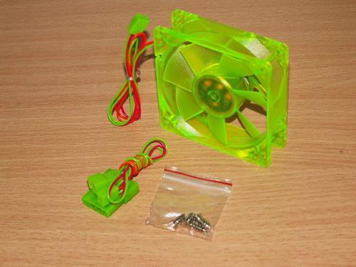 Полная комплектация Akasa UV-Reactive Green Fan