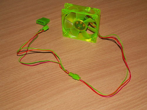 Единая цветовая гамма вентилятора и его подключения