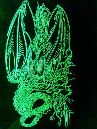 Подсвеченая гравировка дракона