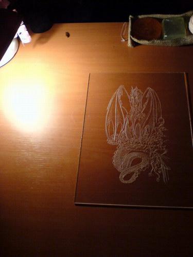 Правильное освещение для гравировки оргстекла