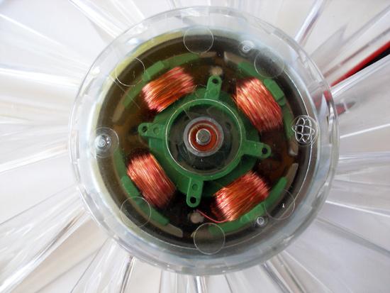 Общий вид электромотора в вентиляторе