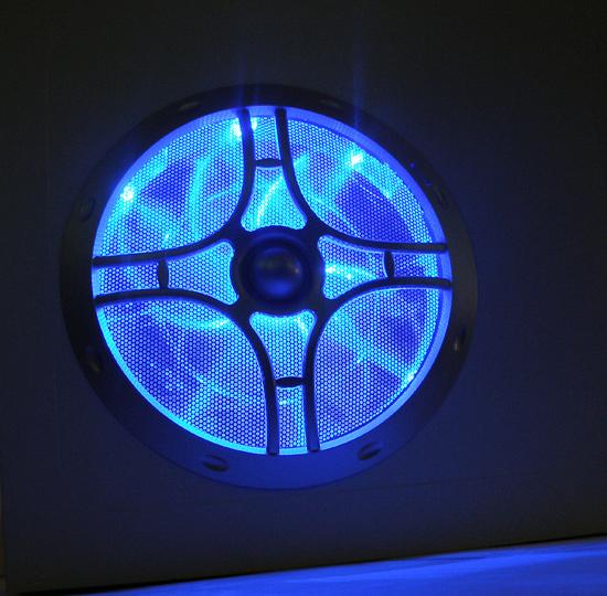 Крупный план вентилятора с подсветкой