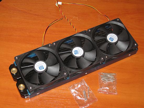 Три вентилятора установлены на радиатор