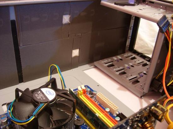 Оклейка верхней панели корпуса вызвала больше проблем