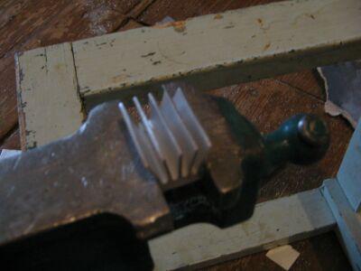 Радиатор с выгнутыми ребрами