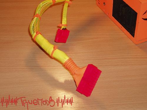 Цветные оплетка и разъемы на кабелях БП