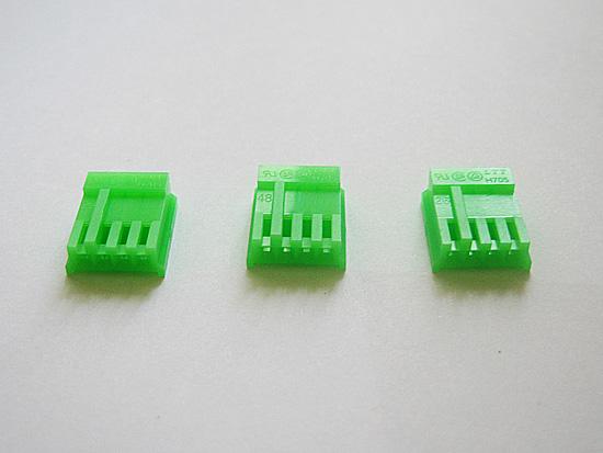 Три коннектора для питания дисковода? Перебор!