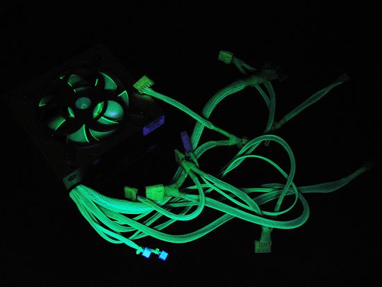 Общий вид блока питания при подсветке уф лампой