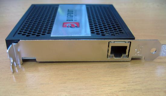 Разъем RJ45 для подключения сетевого кабеля