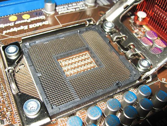 Более близкий взгляд на процессорный разъем
