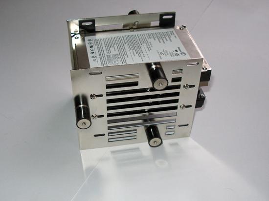 Вид сборку на Scythe Hard Disk Stabilizer x4 с установленными жесткими дисками