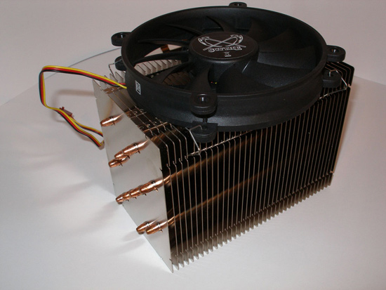 Вентилятор установлен на радиаторе