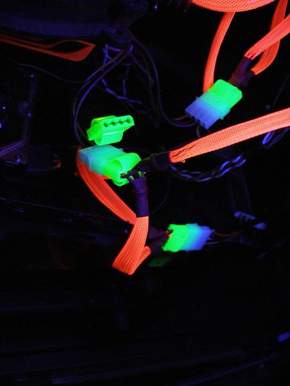 Вид веток питания БП при подсветки ультрафиолетом