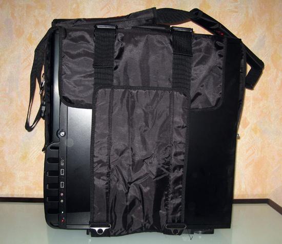 Левая сторона корпуса в чехле Sunbeam Lan Party Bag