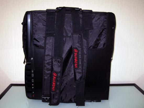 Удобные лямки для ношения корпуса в качестве рюкзака