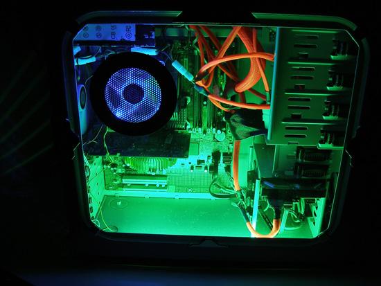 Работа зеленой лампы в закрытом корпусе