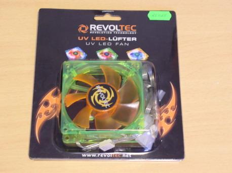 Вентилятор Revoltec UV LED Fan в упаковке