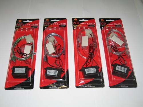 Четыре кабеля Thermaltake XRound SATA EL Series в упаковках
