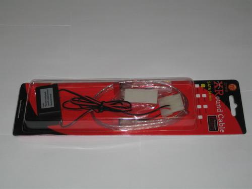 Красный кабель XRound SATA EL в упаковке