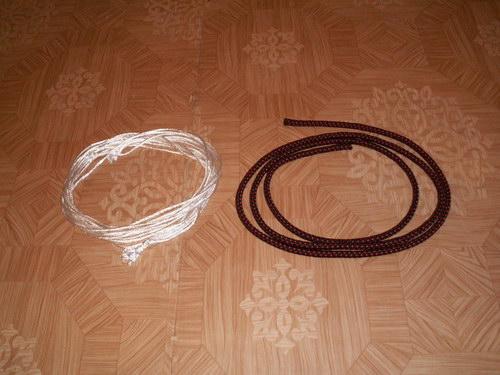 Веревки, высунутые из троса