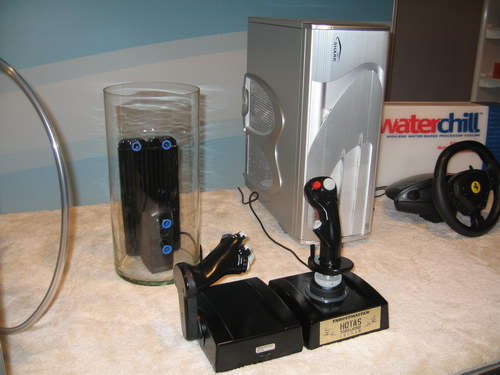 Радиаторы для СВО, стильные компьютерные корпуса и геймерский манипуляторы
