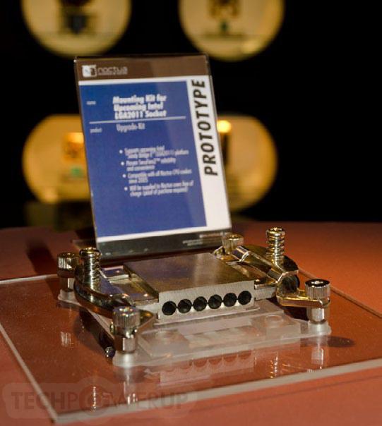 Прототип нового крепления с поддержкой процессорного разъема LGA2011