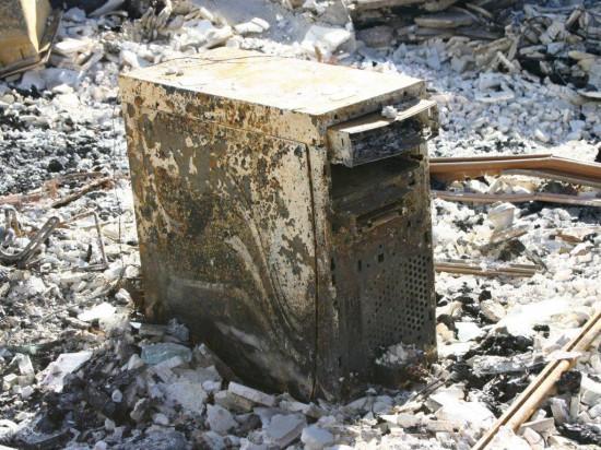Сгоревший компьютер марки Dell