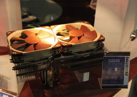 Прототип нового кулера от Noctua в три четверти