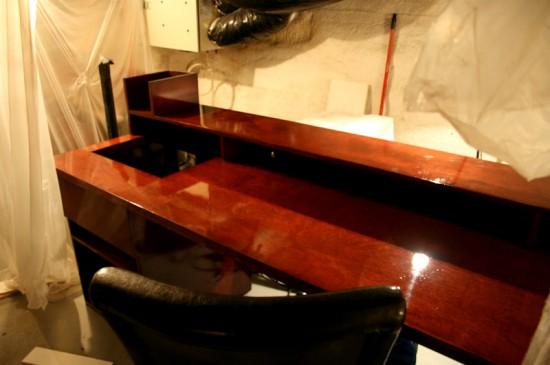 Высококлассный стол с двумя компьютерами от моддера ultimatedesk
