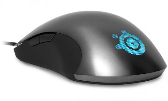 Логотип SteelSeries с подсветкой на мышке Sensei