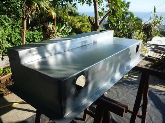 Заготовка для стола на фоне тропического пейзажа