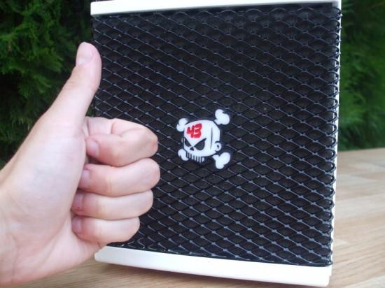 Кастомный логотип Кена Блока на переднем «воздухозаборнике»