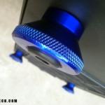 Вариант Diamond Knurl PC Case Feet синего цвета