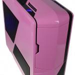 Вид на розовый NZXT Phantom в три четверти