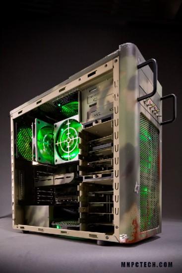 Левая сторона проекта Battlefield 3 case mod без боковой стенки