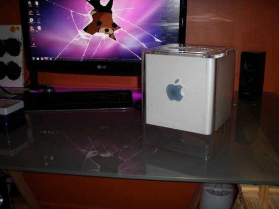 Тот самый PowerMac G4 Cube, в корпусе которого будут делать проект