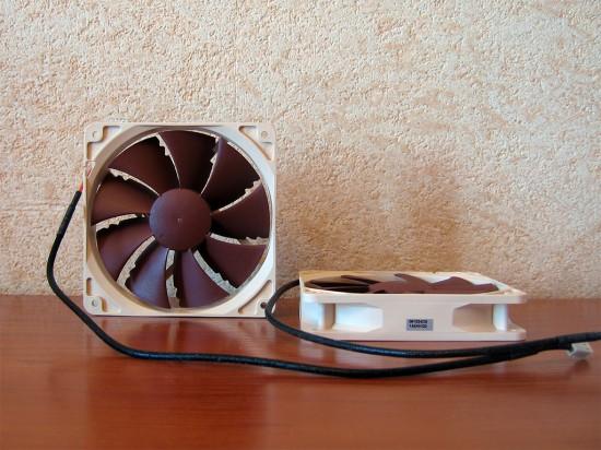 Два вентилятора Noctua NF-P12