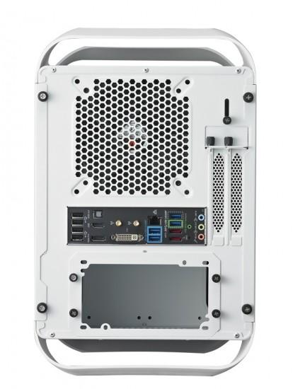 Вид сзади на корпус BitFenix Prodigy