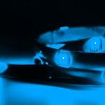 Светодиодная лента с включенным синим цветом