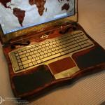 Вид на клавиатуру ноутбука