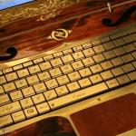 Вид вблизи на клавиатуру ноутбука