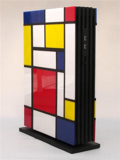 Вид слева сбоку на моддинг проект Mondrian