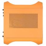 Вид сбоку на оранжевый BitFenix Prodigy