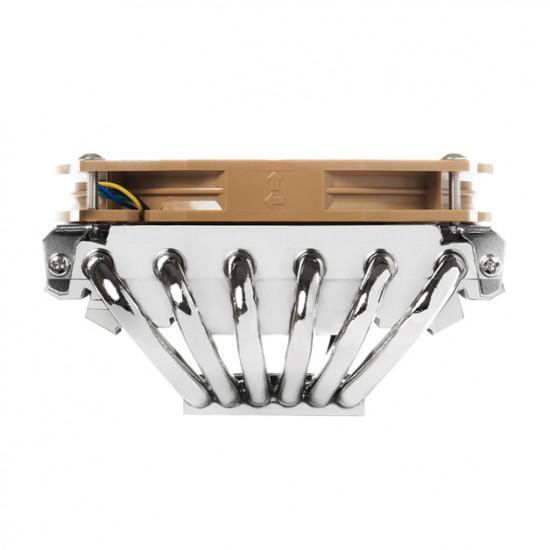 Основание с радиатором в кулере Thermalright AXP-100 связано шестью теплотрубками