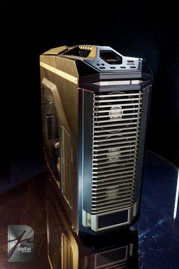 Общий вид моддинг проекта Titanium PC в три четверти