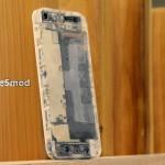 Вид сзади на прозрачный iPhone 5