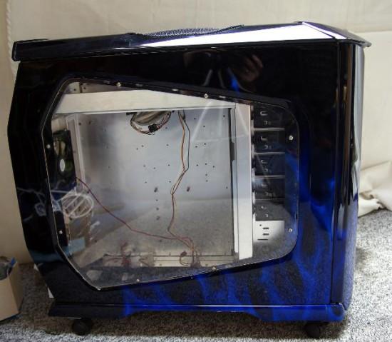 Вид слева на корпус CSX Blue Flame — основу проекта