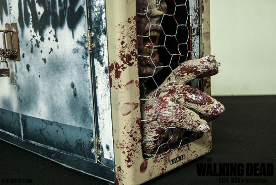 Вид вблизи на переднюю нижнюю часть проекта The Walking Dead