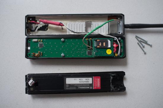 Внутренности мобильного телефона после модификации